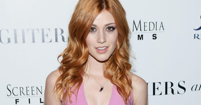 GALERIA: Kat McNamara na Premiere de Mothers and Daughters