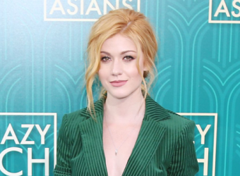GALERIA: Kat McNamara na Premiere de Crazy Rich Asians em Los Angeles